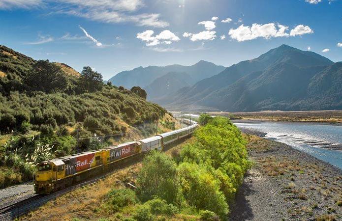 新西兰南岛高山火车冰川温泉6日游四星+五星豪华团